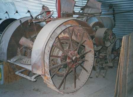 10-20 Titan Tractor
